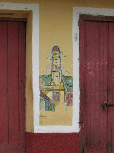 【キューバ07 世界遺産】アートとパステルカラーの建物の町トリニダー。久しぶりの人種差別被害も。。 (3)