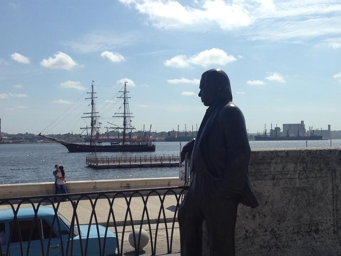 【キューバ04 世界遺産】革命の爪痕残るハバナ。革命広場にはチェ・ゲバラの姿~ハバナ観光2~ (10)