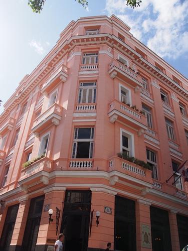 【キューバ03 世界遺産】ヘミングウェイの愛したハバナ。歴史を感じるクラシックカーとコロニアルな町並み~ハバナ観光1~ (26)