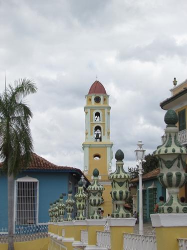 【キューバ07 世界遺産】アートとパステルカラーの建物の町トリニダー。久しぶりの人種差別被害も。。 (7)