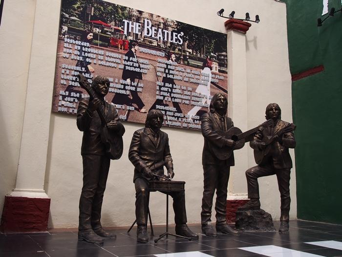 【キューバ07 世界遺産】アートとパステルカラーの建物の町トリニダー。久しぶりの人種差別被害も。。 (19)