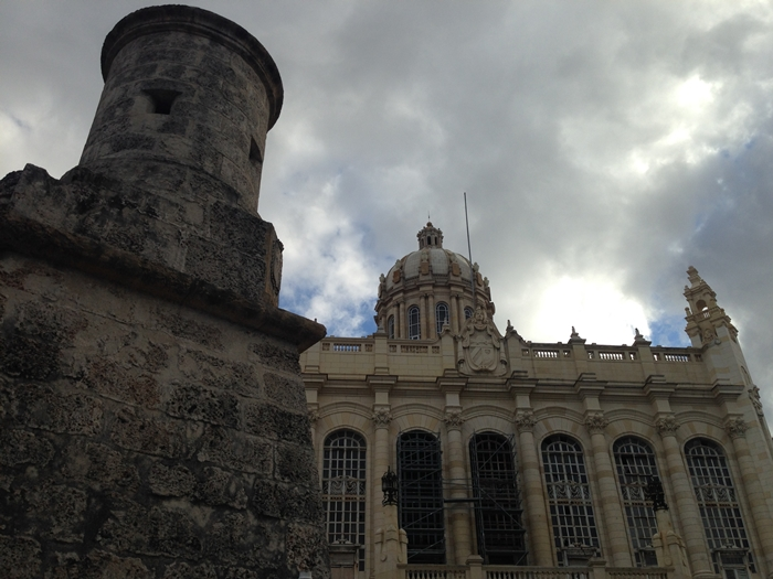 【キューバ04 世界遺産】革命の爪痕残るハバナ。革命広場にはチェ・ゲバラの姿~ハバナ観光2~ (14)
