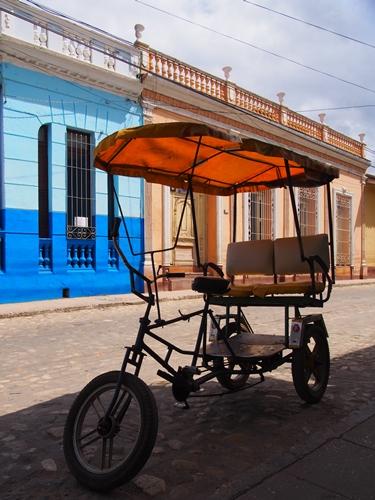 【キューバ07 世界遺産】アートとパステルカラーの建物の町トリニダー。久しぶりの人種差別被害も。。 (13)