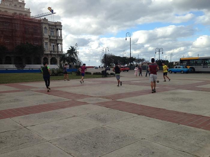 【キューバ04 世界遺産】革命の爪痕残るハバナ。革命広場にはチェ・ゲバラの姿~ハバナ観光2~ (12)