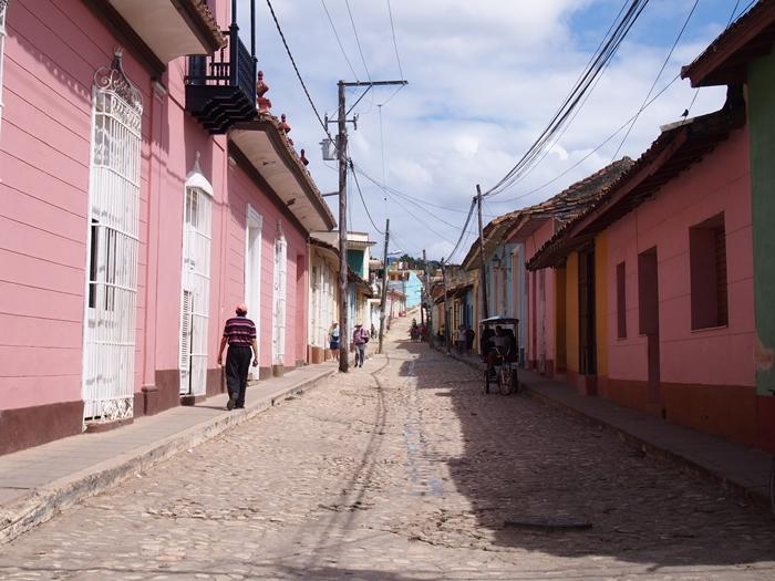 【キューバ07 世界遺産】アートとパステルカラーの建物の町トリニダー。久しぶりの人種差別被害も。。 (12)