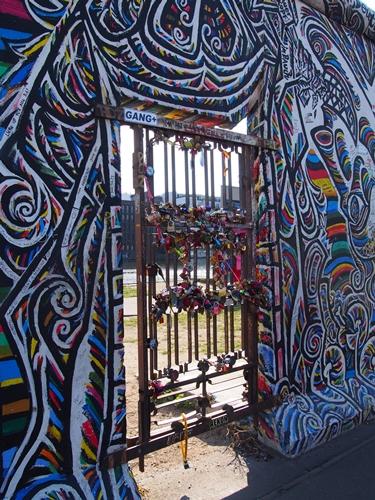 【ドイツ09】冷戦の跡・ベルリンの壁と、個性的なアンペルマン登場!ベルリン観光1 (23)