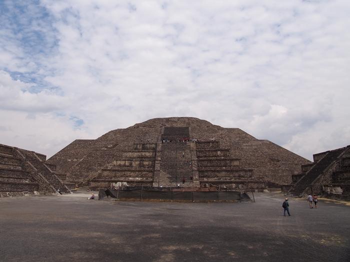 【メキシコ08】世界で三番目?!テオティワカン・太陽のピラミッド (22)