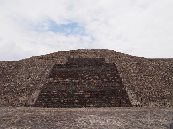 【メキシコ08】世界で三番目?!テオティワカン・太陽のピラミッド (25)