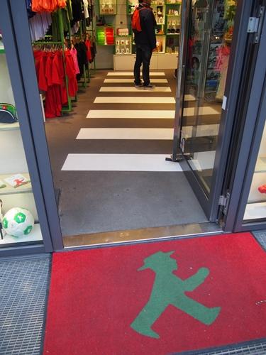 【ドイツ12】ベルリンのお土産情報~アンペルマンショップで買い物♪ (8)