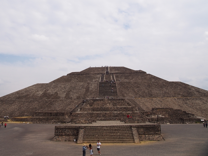 【メキシコ08】世界で三番目?!テオティワカン・太陽のピラミッド (39)