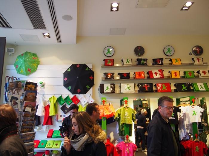 【ドイツ12】ベルリンのお土産情報~アンペルマンショップで買い物♪ (5)