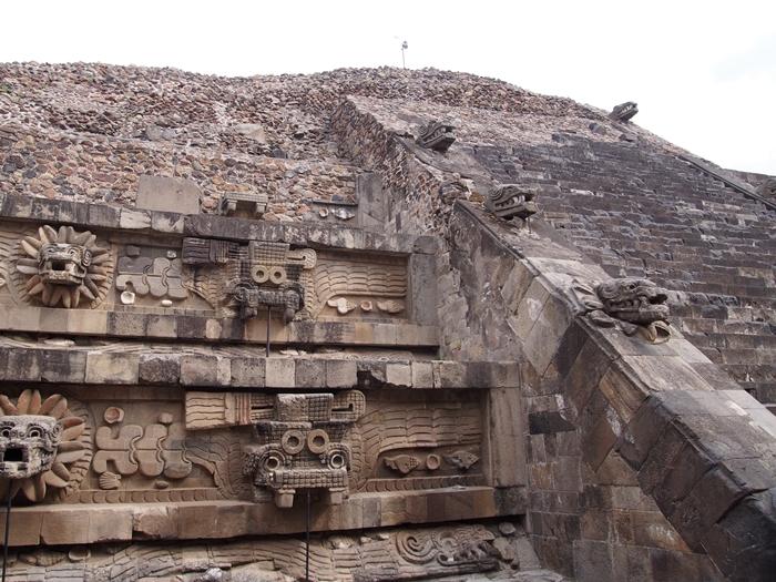 【メキシコ08】世界で三番目?!テオティワカン・太陽のピラミッド (48)