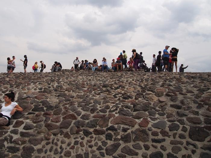 【メキシコ08】世界で三番目?!テオティワカン・太陽のピラミッド (41)