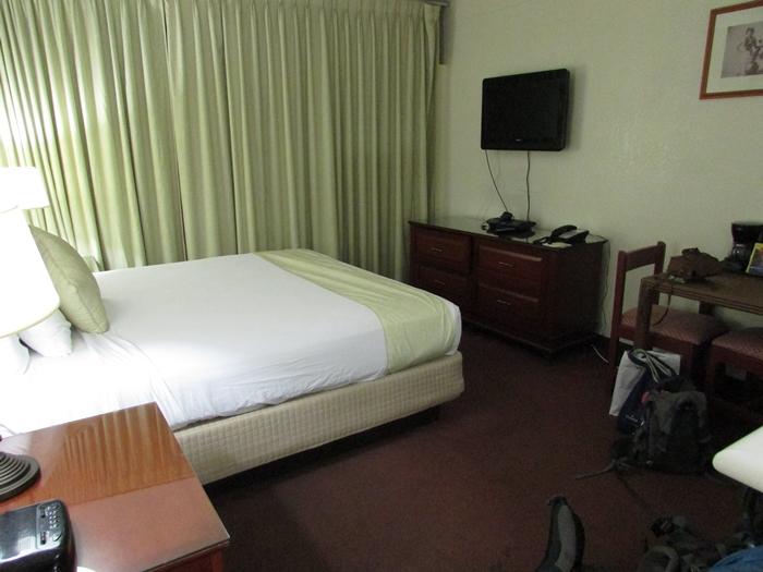【ハワイ01】ホノルル国際空港からワイキキへの移動と、ワイキキの宿「White Sands Hotel」 (2)