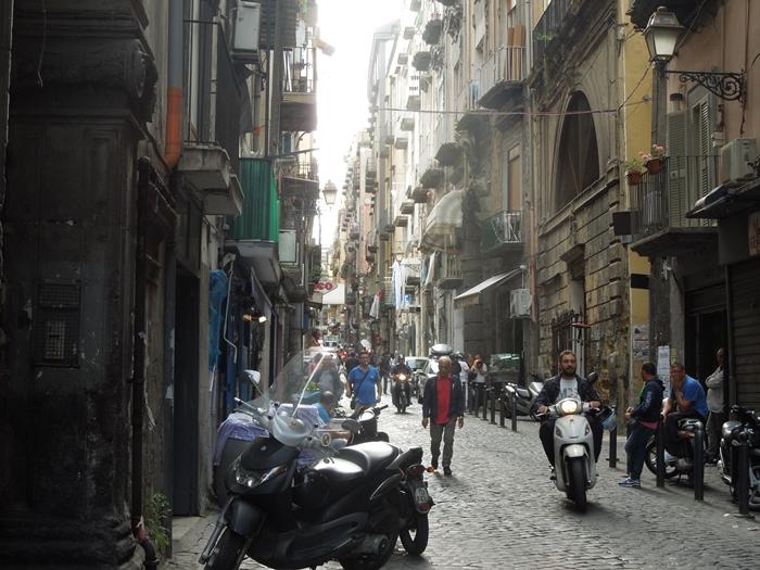 【イタリア08】ナポリの安宿「オステッロメルジェリーナOstello Mergellina」 (1)