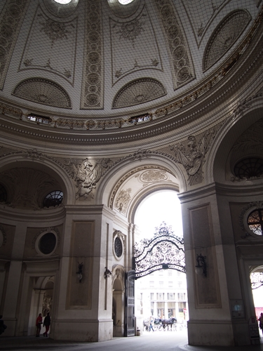 【オーストリア02】ザッハトルテも忘れずに!一日でウィーンの町を観光♪ (31)