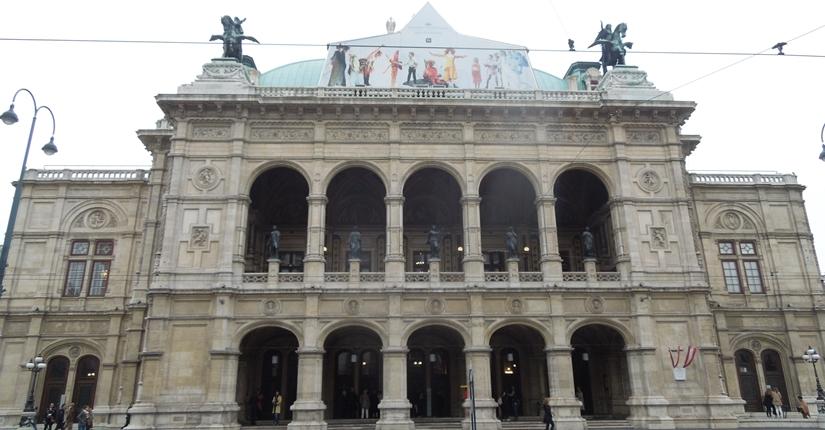 【オーストリア03】「ウィーン国立歌劇場」「Phantastenmuseum Wien」でオペラ鑑賞!