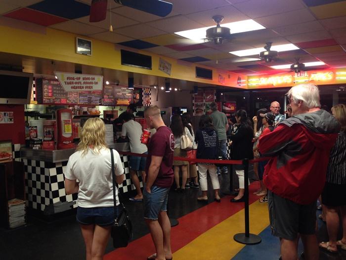 【ハワイ13】絶品!ハワイアンバーガー オススメは「Teddy's Biger Burger」 (3)