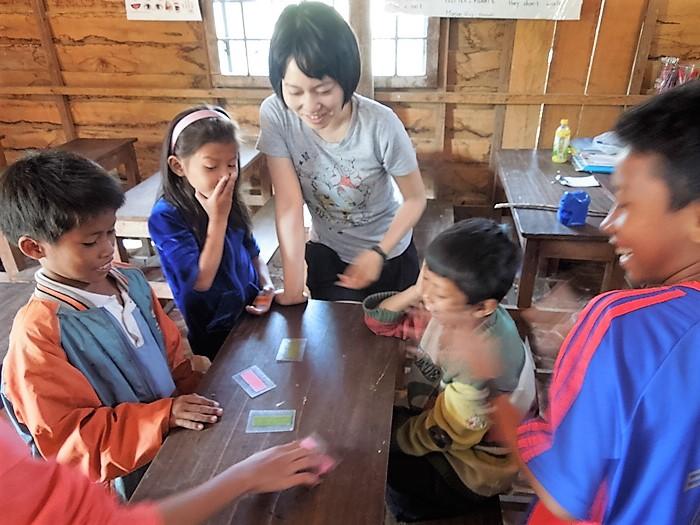 【カンボジア08】カンボジアで日本語学校のボランティア!アンコール・ツリースクールにて。