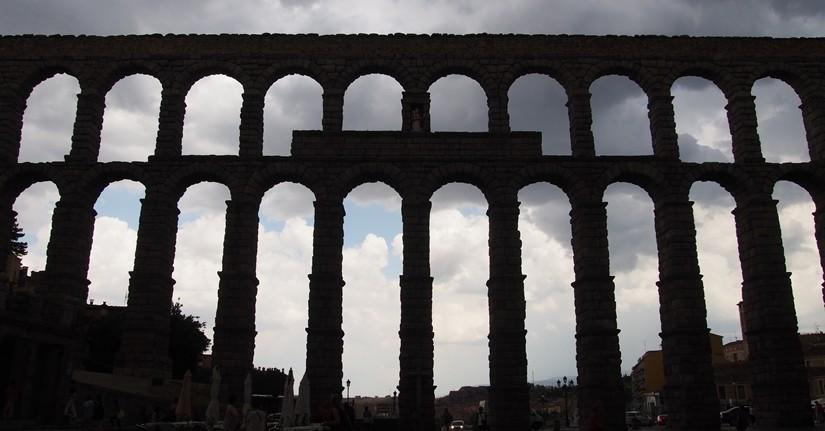 【スペイン03】マドリードから日帰り旅行!世界遺産ローマ水道橋のあるセゴビアへ!