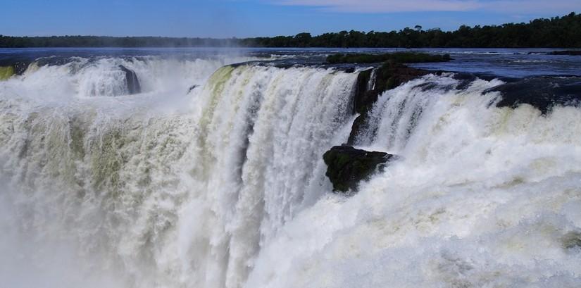 世界遺産のイグアスの滝、まずはアルゼンチン側~悪魔の喉笛迫力ありすぎます~ (24)