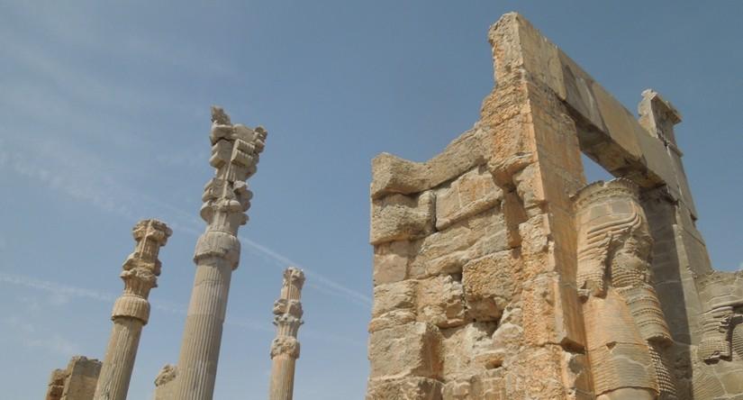 世界遺産ペルセポリス ペルシャ繁栄の面影を残すアパダーナのレリーフに釘付け