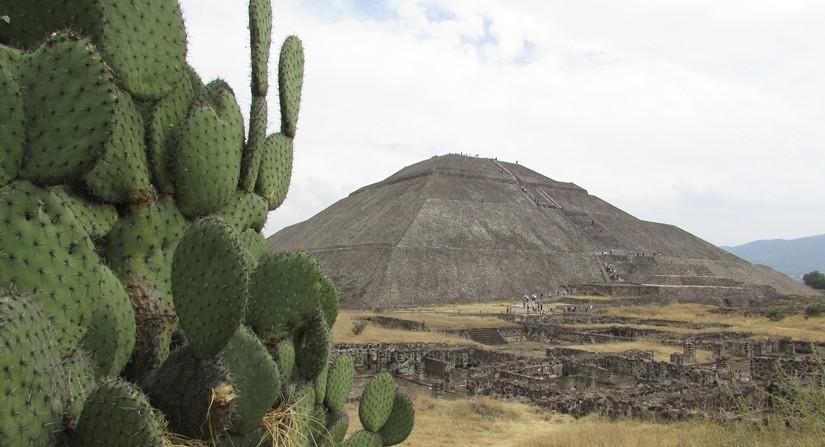 【メキシコ08】世界で三番目?!テオティワカン・太陽のピラミッド
